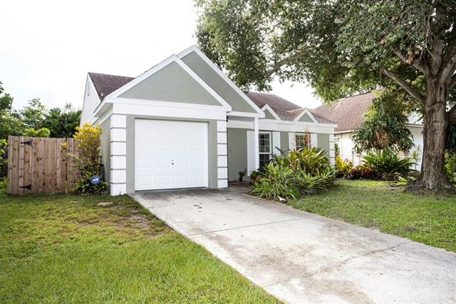 12141 77Th Street Largo, FL 33773